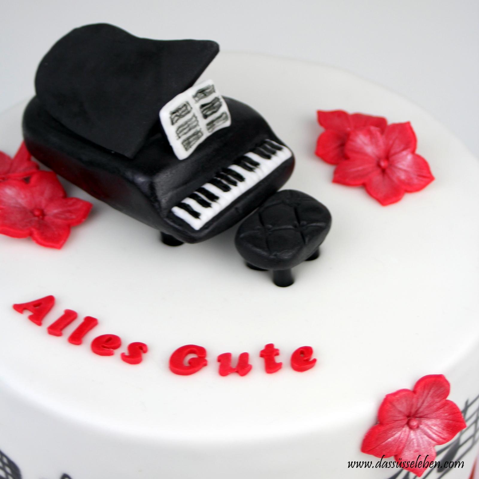 Rezept Geburtstagstorte mit Klavier und Noten  Das süße Leben