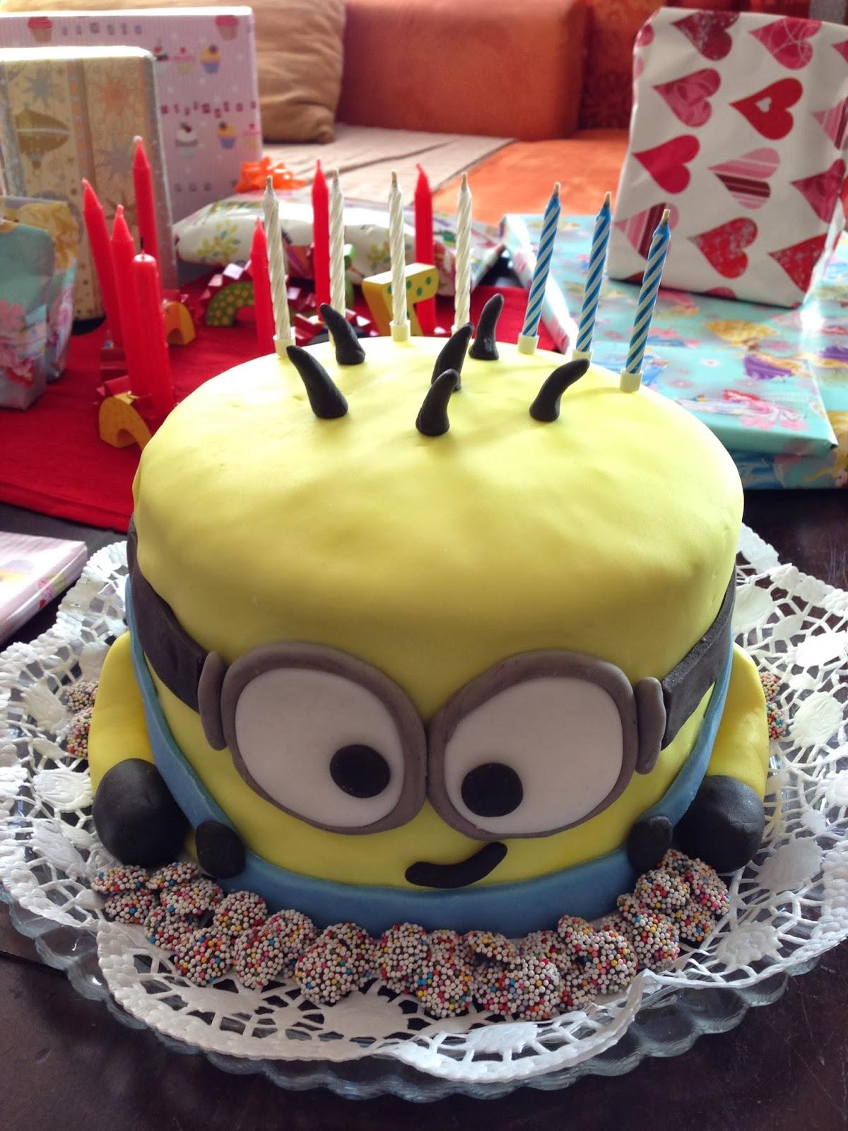 meine kleine backstube  minion  torte