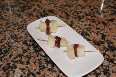 Pinchitos de peras a la gelatina de vino