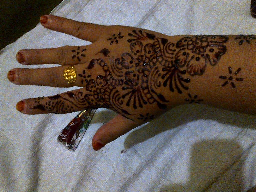 Jasa Pasang Henna
