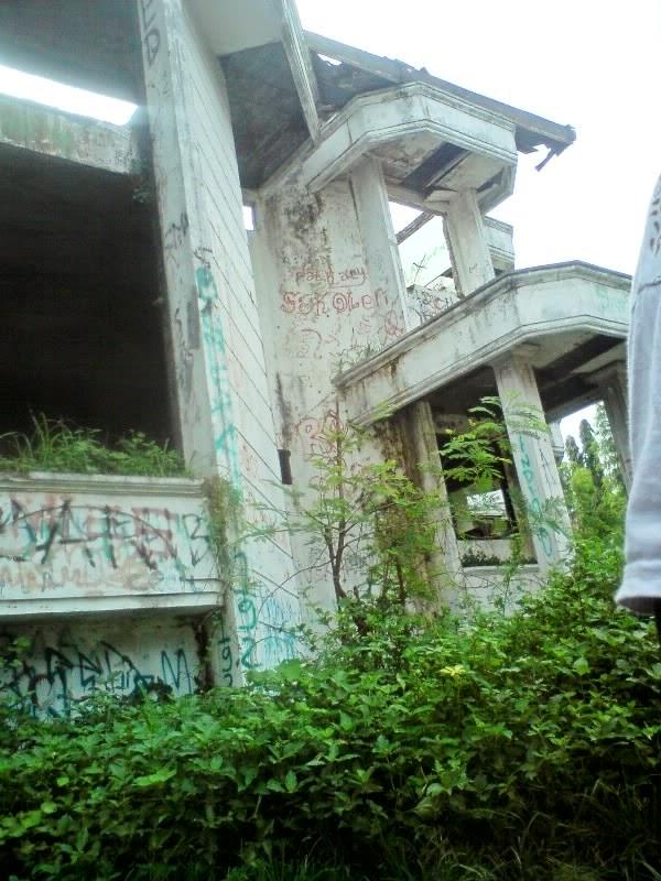 rumah hantu darmo di surabaya barat