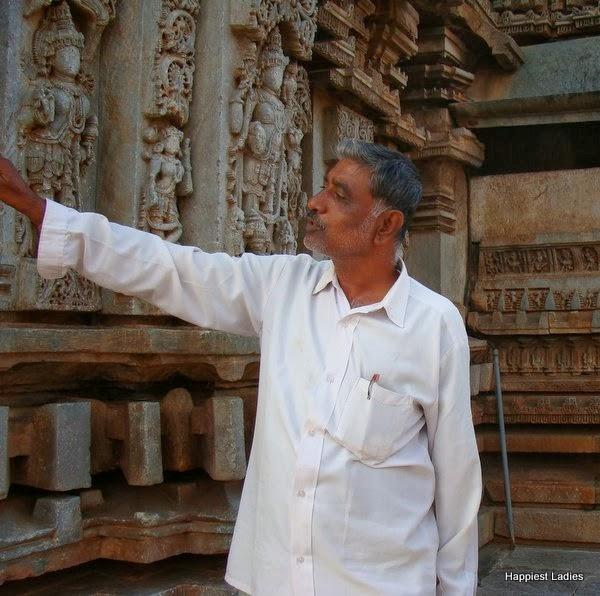 guide to Belavadi hoysala temple