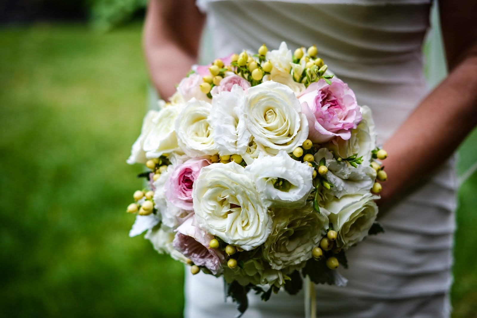 Lake Placid Wedding - The Whiteface Lodge Wedding - Blush and Cream Garden Rose Bridal Bouquet - Upstate NY Wedding - Splendid Stems Floral Designs
