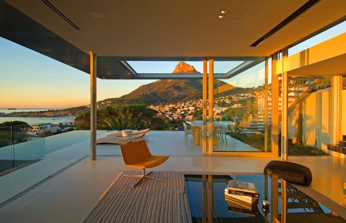 First Crescent House by SAOTA