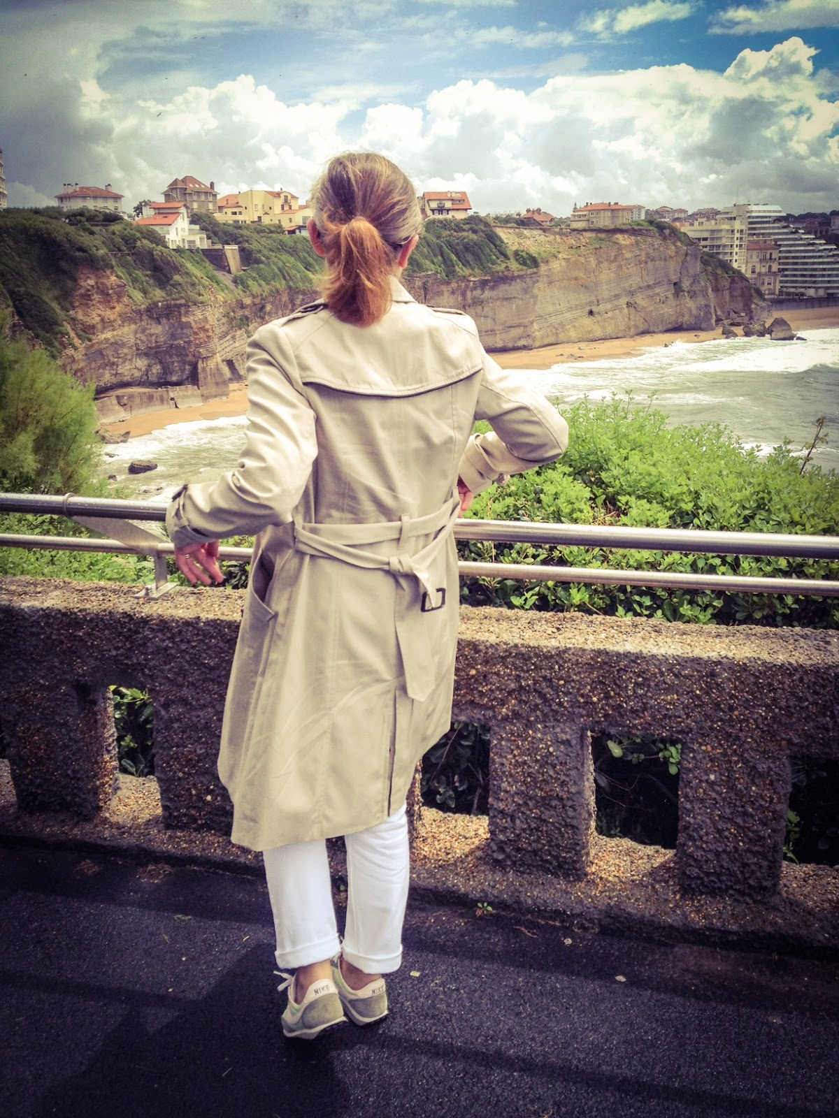 trench-coat beige - vue dos