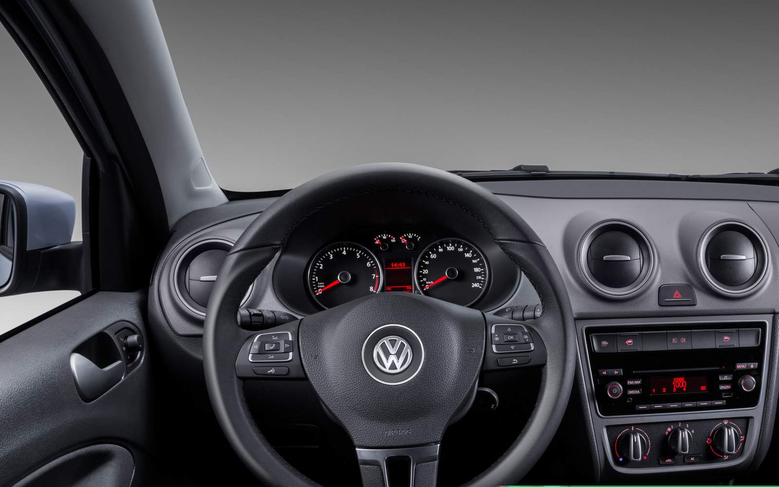 Novo Volkswagen Voyage Comfortline 2015 - Painel