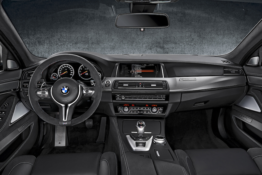 「BMW M5」に30周年記念モデル「30 Jahre M5」が登場