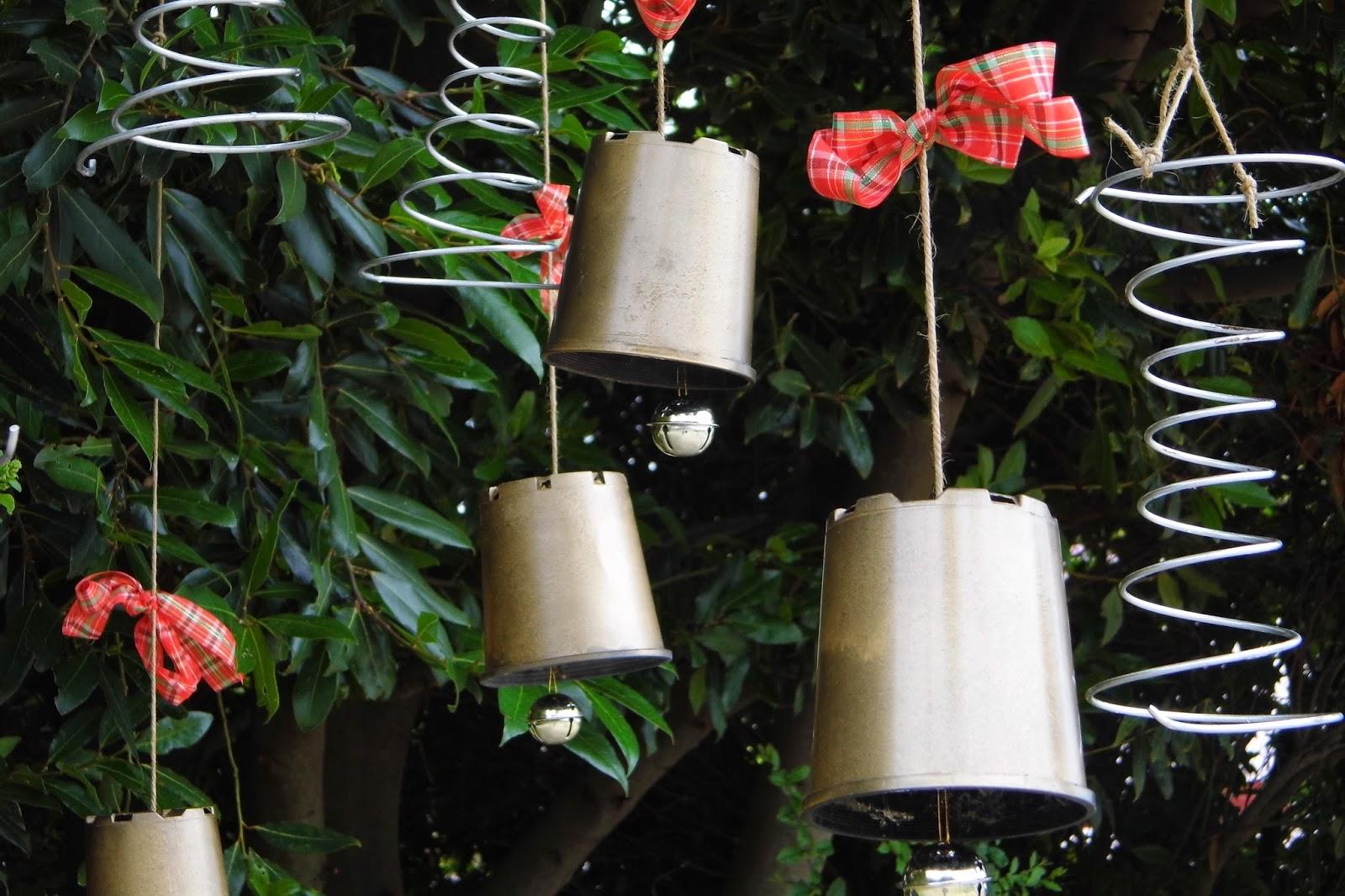 One Mother Hen: Garden Christmas wreath