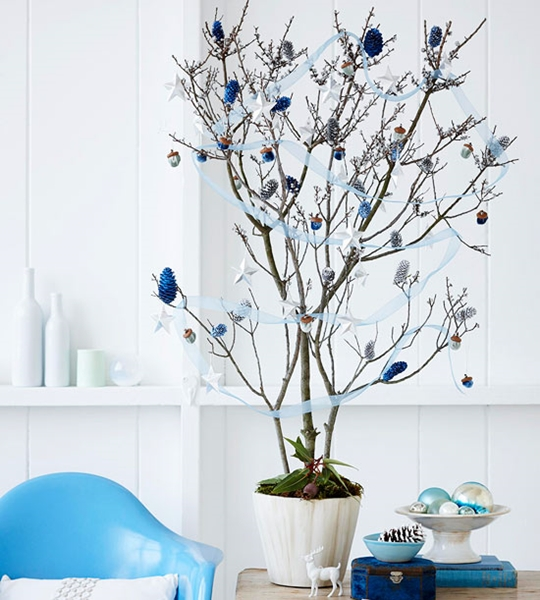 fazer árvore de natal com galhos