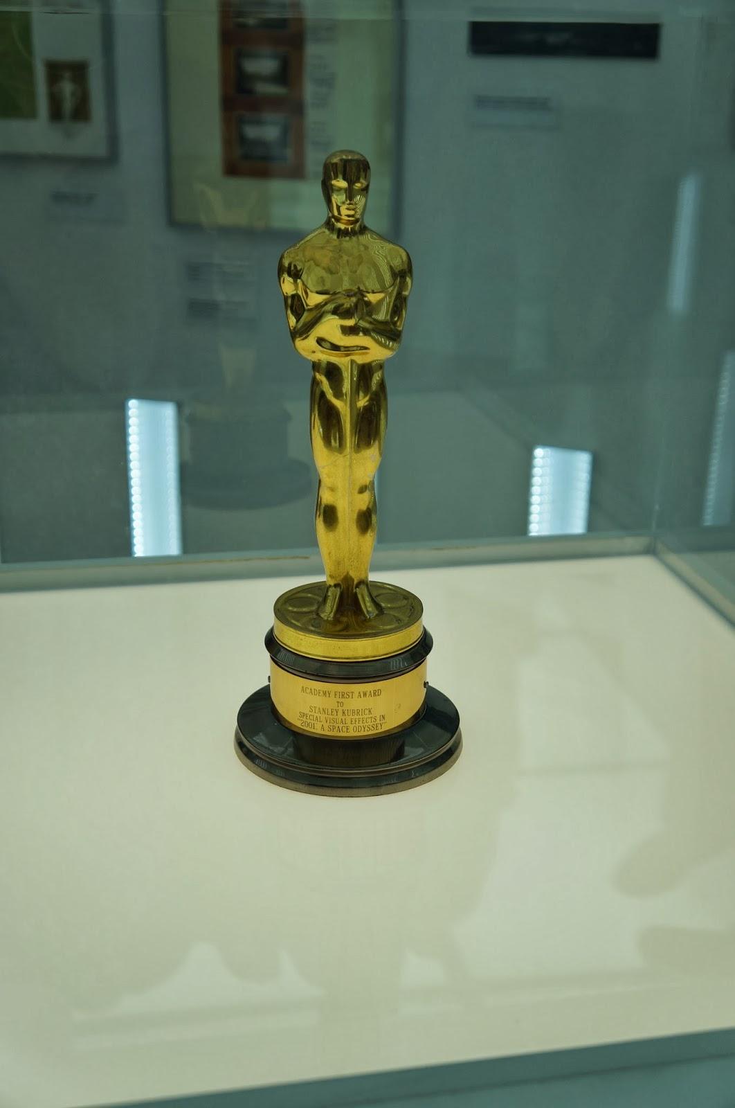 """Oscar de efeitos especial pelo filme """"2001: uma odisseia no espaço"""" - Stanley Kubrick - MIS - SP"""