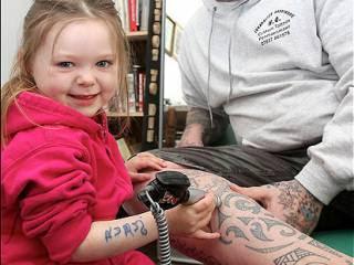 Bocah Ini Menjadi Seniman Tatto Termuda Di Dunia [ www.BlogApaAja.com ]