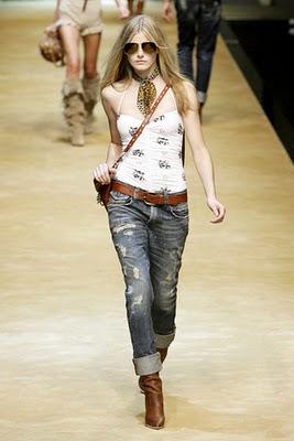 http://1.bp.blogspot.com/-7tNLqmT1EHQ/Tjq3wCRv9rI/AAAAAAAABHM/e5Mhmpk6ksA/s1600/2010+Spring+Fashion+Trends+Patchwork+Denim+2.jpg