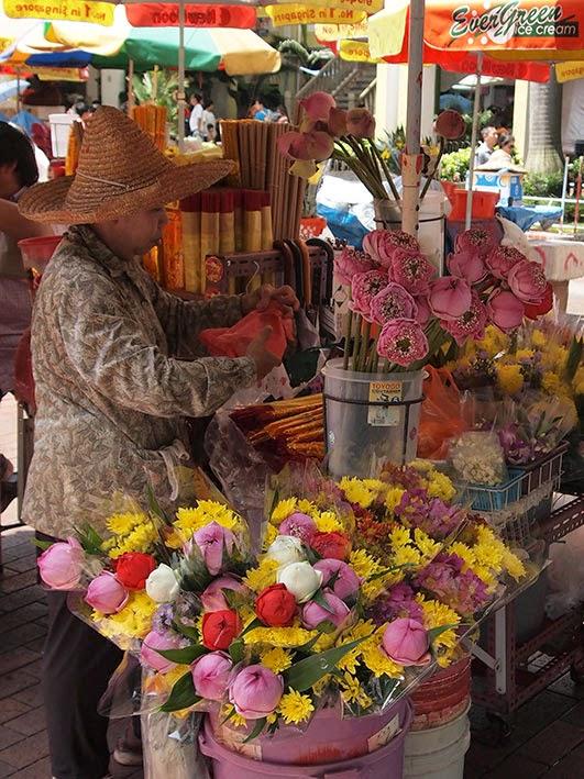 Flower stall - Kwan Im Thong Hood Cho temple