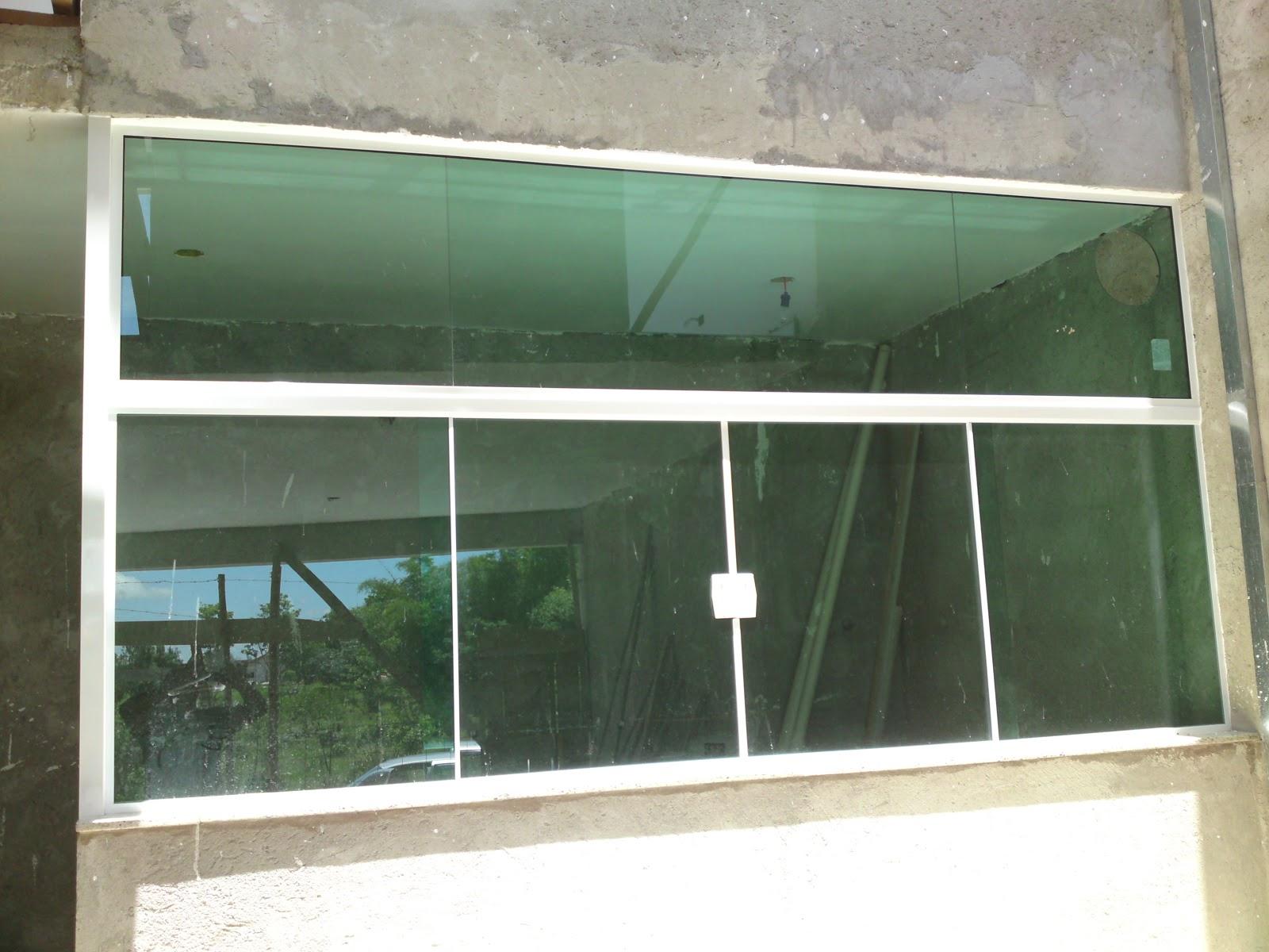 #467685 Vidraçaria Cinderela: Janelas em vidro temperado verde   kit branco 1608 Vidros Para Janelas Grandes