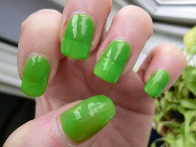 Simple Pleasures Green Polish Swatch