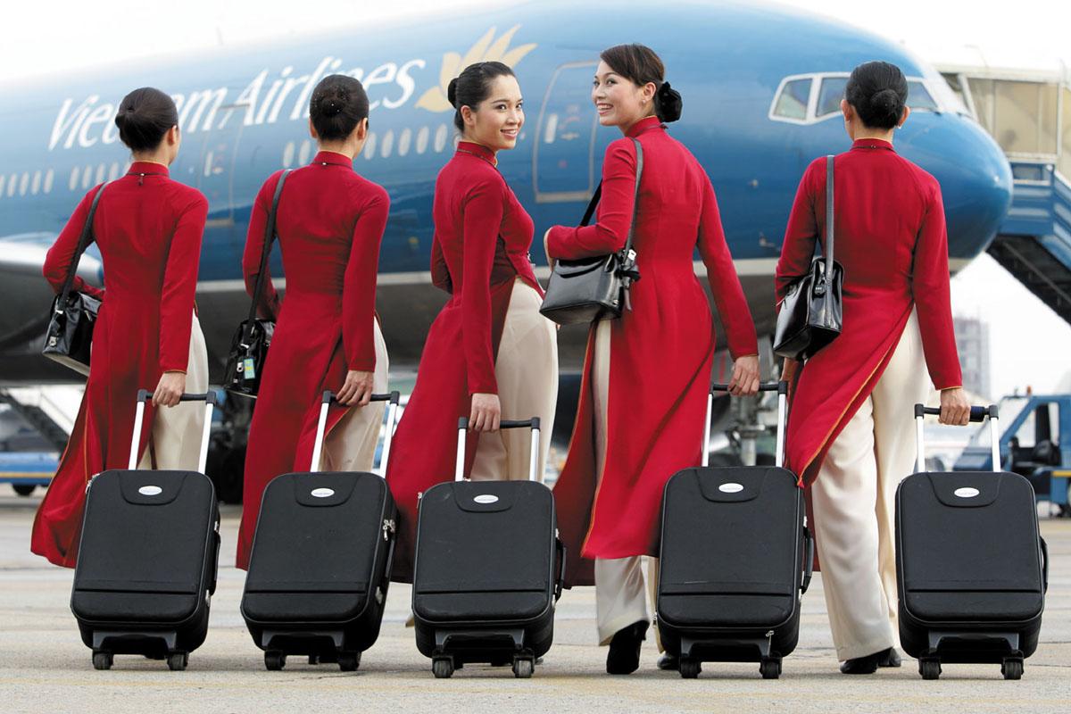 Фото молодых красивых стюардесс в брюках фото 261-435