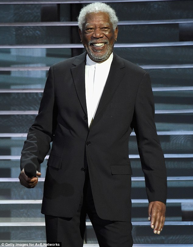 www.ekpoesito.com: Morgan Freeman's plane crash lands in ...