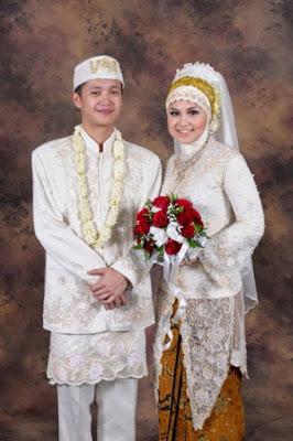 foto pengantin berbusana muslim
