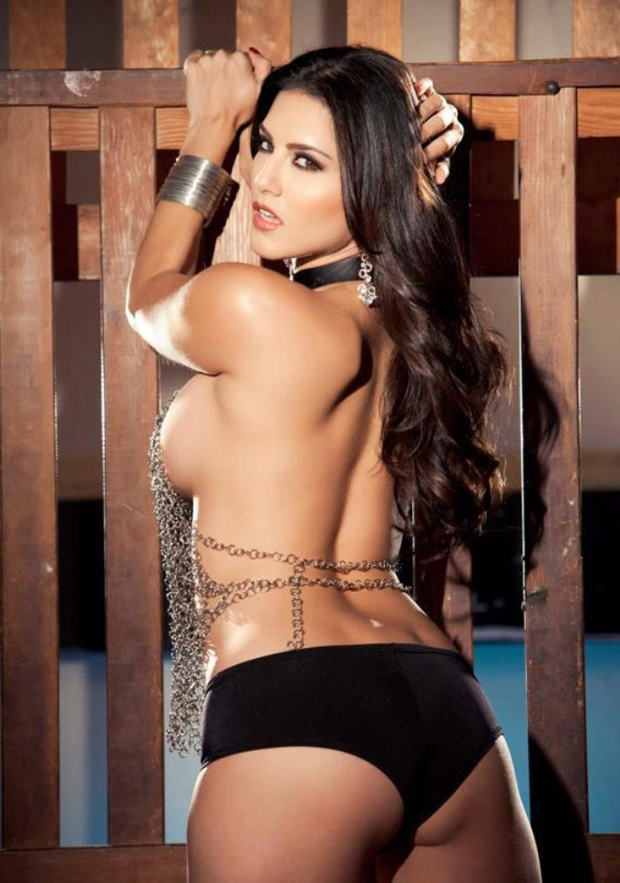 Sunny leone topless messages
