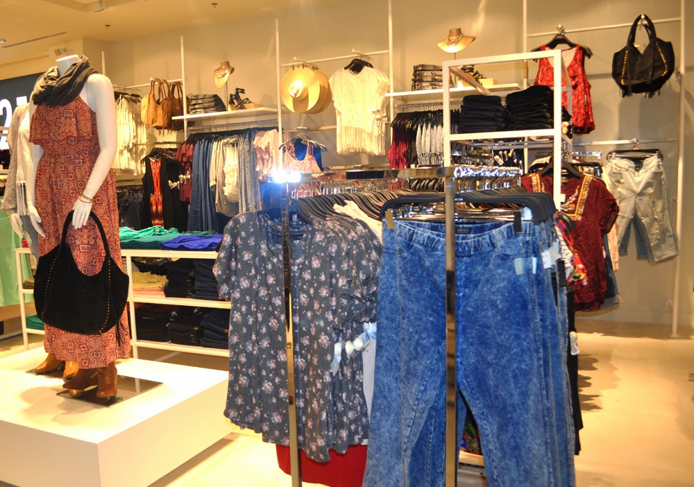 Forever 21 Philippines Sm Southmall Opening Rochelle Rivera