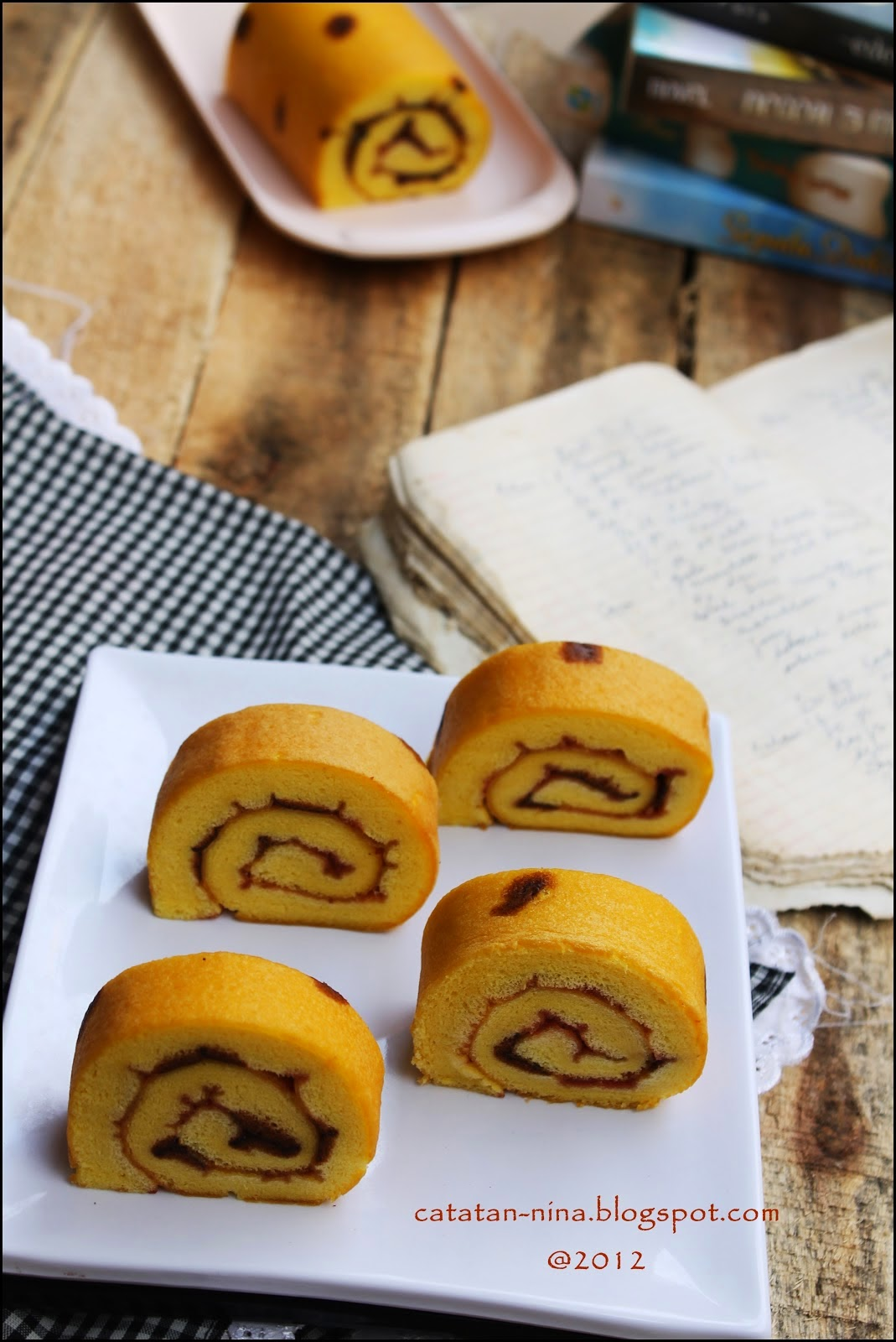 Asam Manisnya Orange Rollcake
