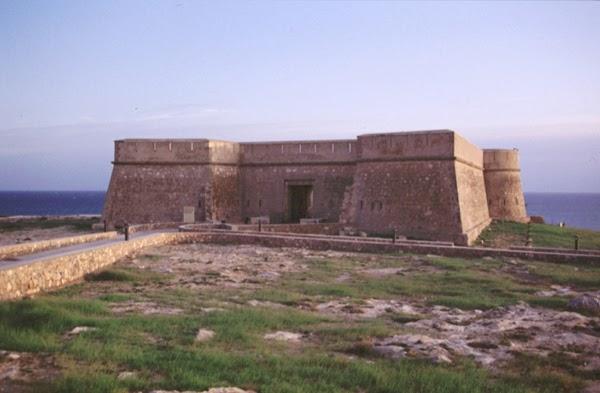 El castillo de guardias viejas el ejido almer a - El ejido almeria ...