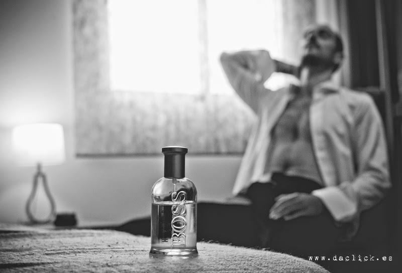 novio posando como modelo de hugo boss - foto publicitaria y de boda