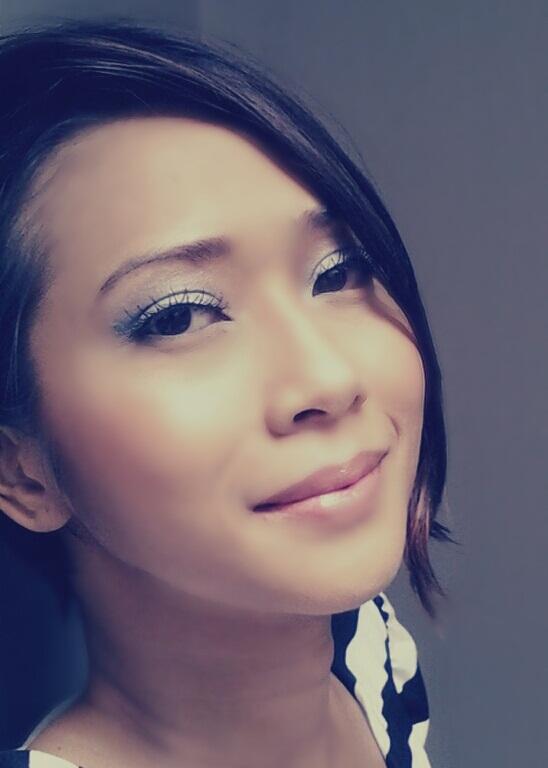 yang   artist natural, cara terlihat Dewy artinya make look, natural riasan hasil make up  up segar