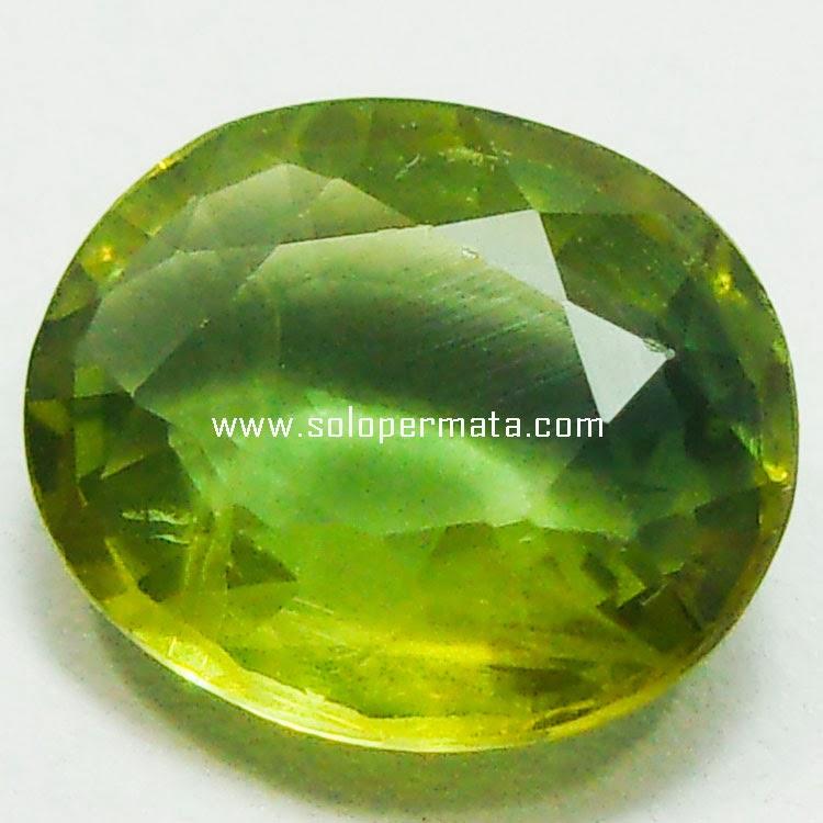 Batu Permata Yellowish Green Sapphire - 03B01