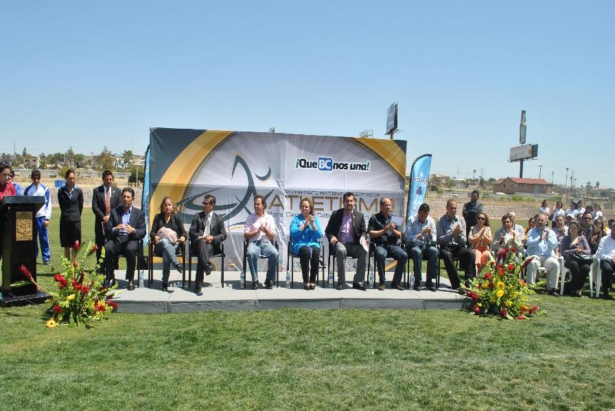 Rosarito en la noticia colocan primera piedra del for Gimnasio del centro