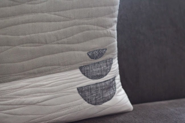 quilted-applique-improv-pillow