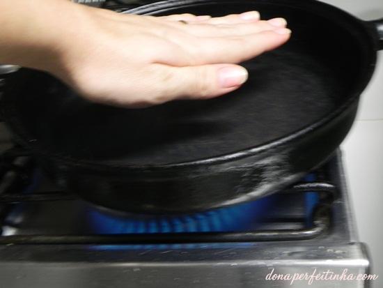 Panela muito quente para uma carne suculenta