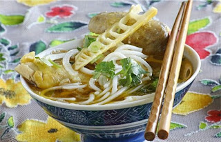 Vietnamese Bamboo Shoots and Chicken Noodle Soup Recipe 4