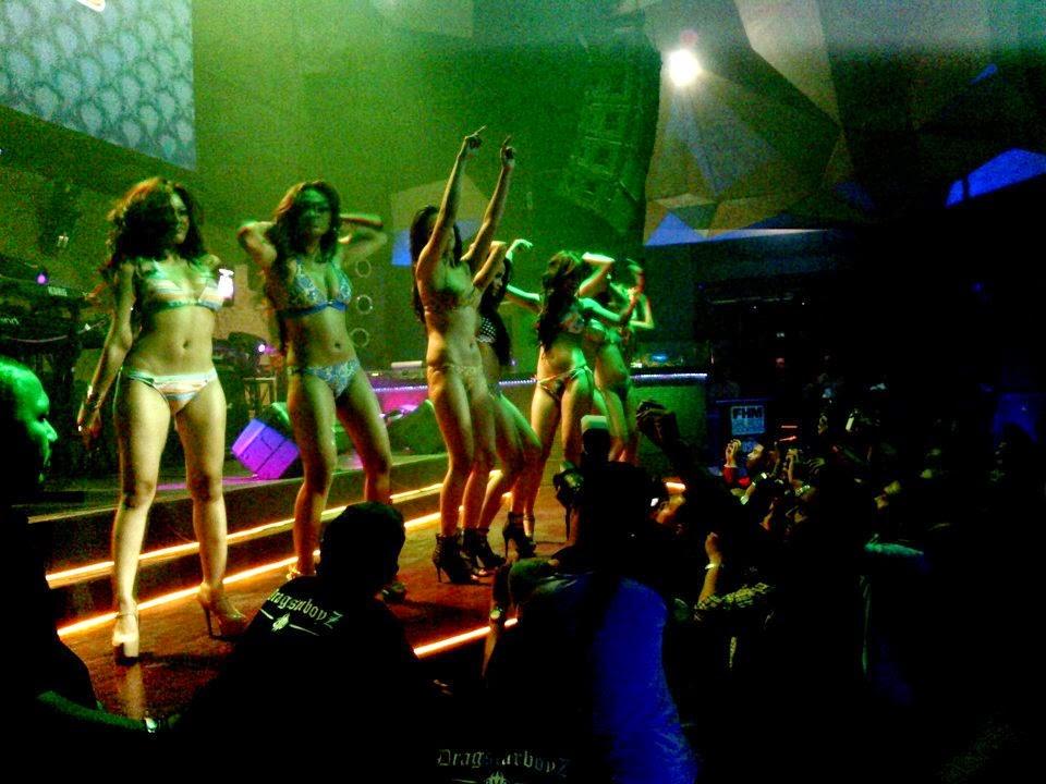 http://1.bp.blogspot.com/-7vGL5og7svc/VAMvwxTwtqI/AAAAAAAAI1o/DaJHpSBXU1w/s1600/sexy%2Bdancer%2Badora%2Bbali.jpg