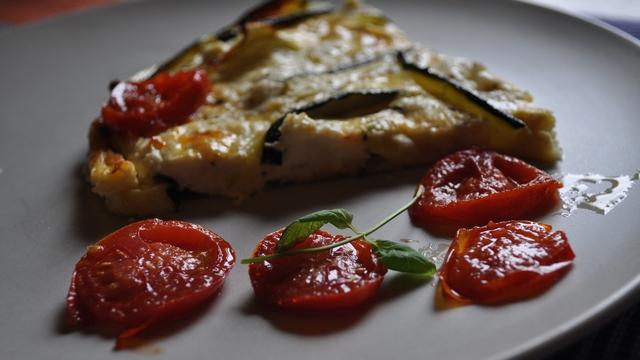 Jela iz organskog vrta - rajčice, tikvice, Fritta, quiche