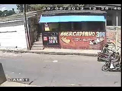 [VIDEO] Nasib Malang Si Penyamun Di Campak Keluar Tingkap!!!, SAKSIKAN
