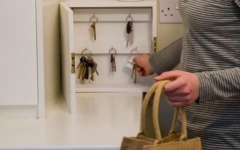 Пластиковый шкафчик своими руками фото 229