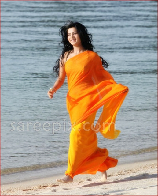 Samantha-running-saree-Jabardasth-movie