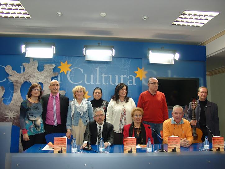 """LA SALA DE LA PALABRA (LICEO) ACOGIÓ LA PRESENTACIÓN DE LA """"ANTOLOGÍA POÉTICA"""" DEL GRUPO SONLETRAS"""