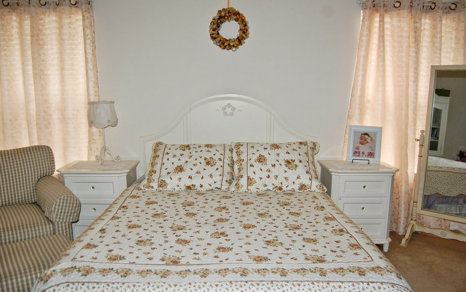 Simply Shabby Chic Bedroom Furniture Low On Drama Frugal Mama Targets Discontinued Simply Shabby