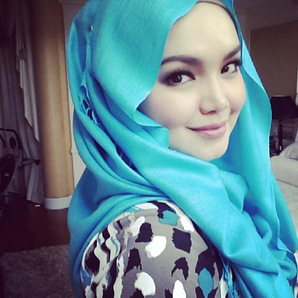 Fesyen Tudung Dato' Siti Nur Haliza | ! Love Is Cinta !