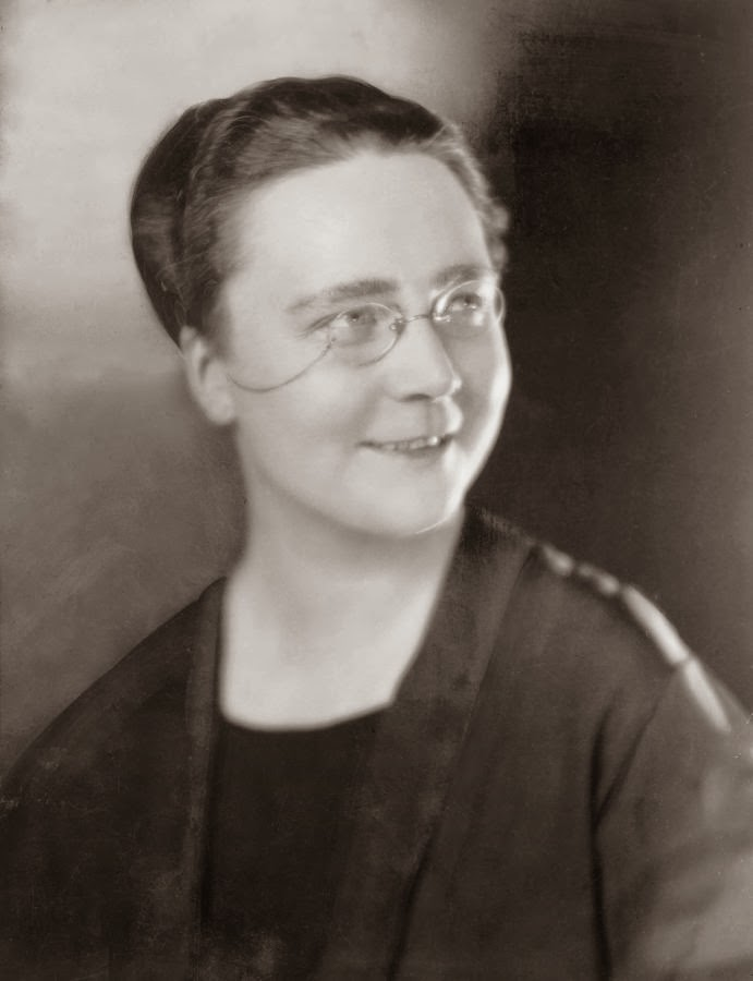 great female essayists