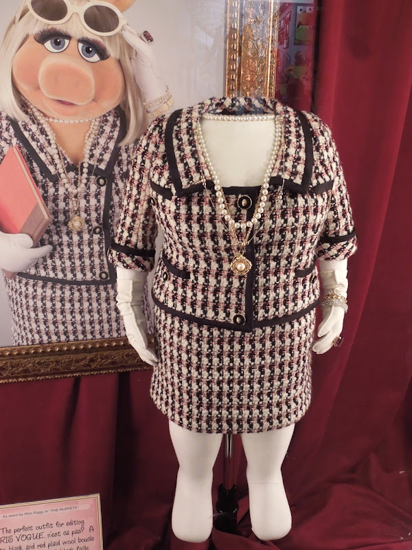 Miss Piggy Paris Vogue costume Muppets