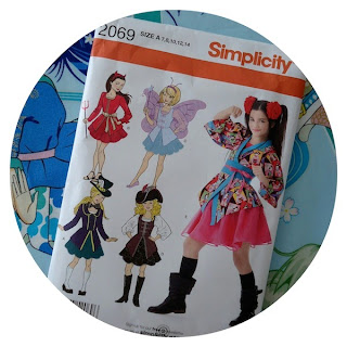 Simplicity 2069: Girl's anime costume