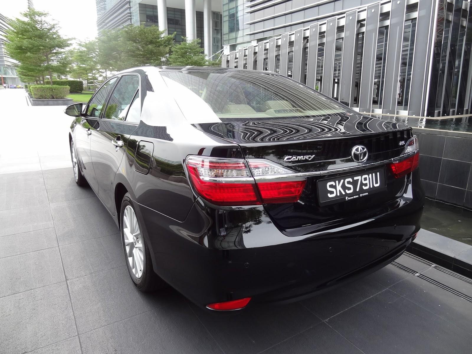 shaun owyeong 2015 toyota camry 2 5 a class leading executive sedan. Black Bedroom Furniture Sets. Home Design Ideas