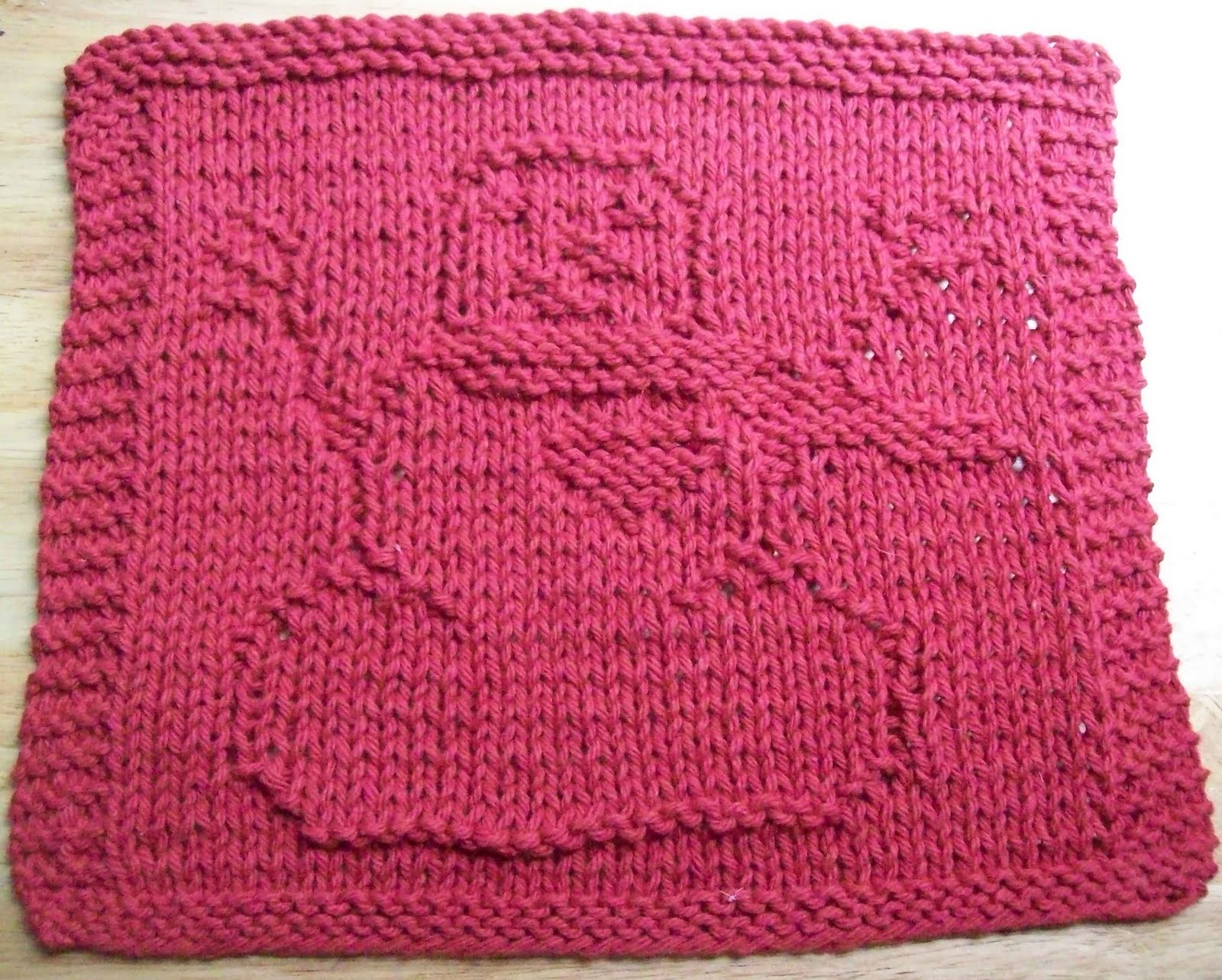 Knitted Dishcloth Patterns : DigKnitty Designs: Snowman With Heart Knit Dishcloth Pattern