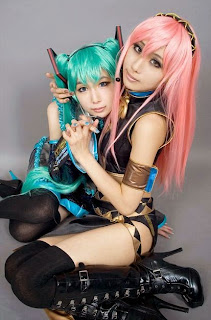Vocaloid Miku and Luka Cosplay by Ren and Tasha