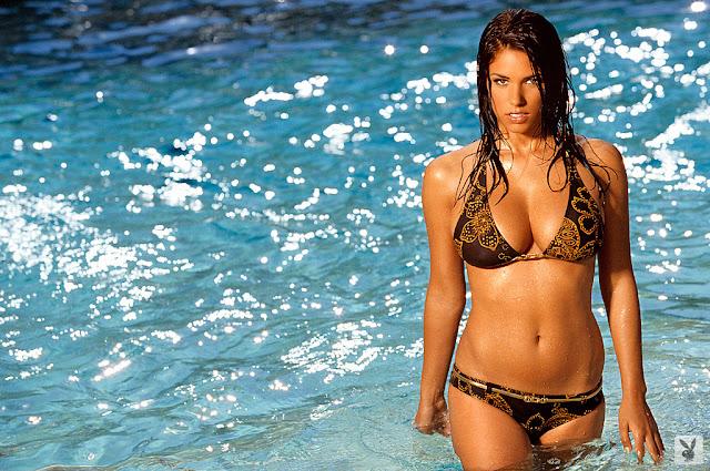 Janine Habeck Sexy in Bikini