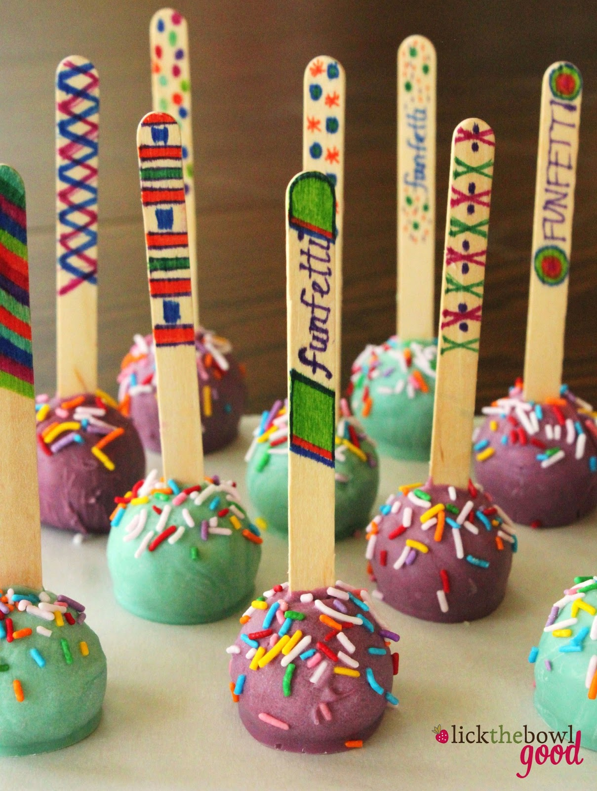 Lick The Bowl Good My Birthday Cakes And NoBake Cake Pops - Cake pop birthday cake