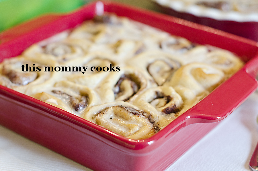 This Mommy Cooks: Quick(er) Cinnamon Rolls {Sweet Treat Tuesday}